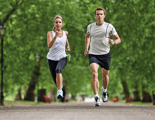 Chạy bộ giúp giảm cân nhanh hơn.