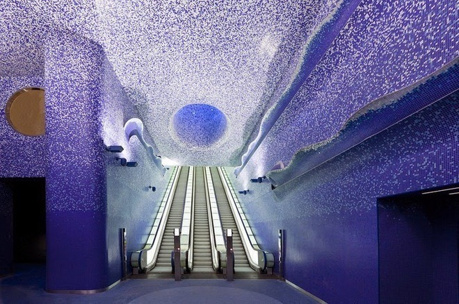 nghệ thuật ở ga tàu điện Napoli