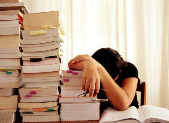 căng thẳng trong mùa thi