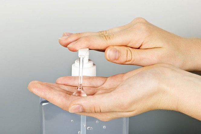 rửa tay bằng dung dịch