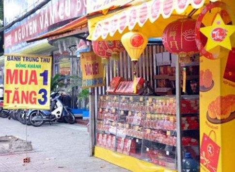 Đằng sau những chiếc bánh trung thu 'rẻ như cho' ở Sài Gòn
